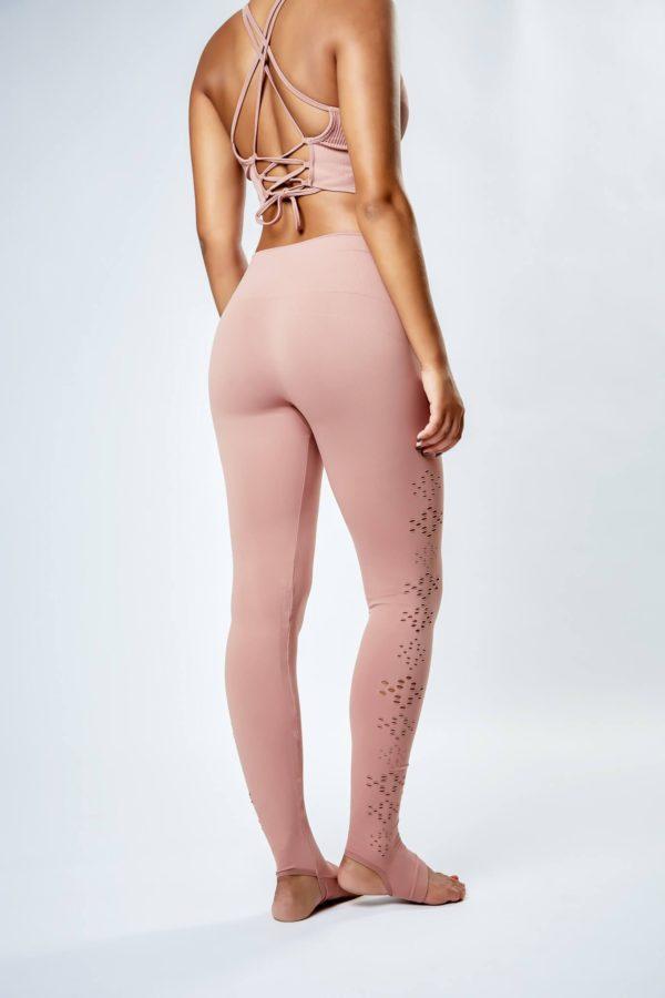 ropa rosa yoga